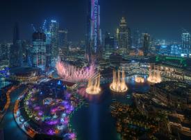 """الإمارات:  احتفالات هائلة في أنحاء البلاد وعرض مبهر على برج خليفة بمناسبة """"سنة لننطلق"""" إلى إكسبو 2020 دبي"""