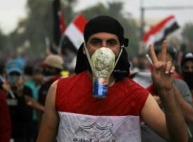 تعرف على دفاعات العراقيين البدائية بوجه القنابل المسيلة للدموع