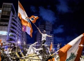 لبنان: مخاوف متزايدة من نقص السلع بالمتاجر والمطاحن ومحطات البنزين