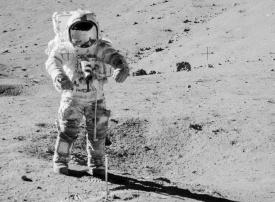 بالصور : ناسا تكشف عن عينات من القمر لم تعرض من قبل