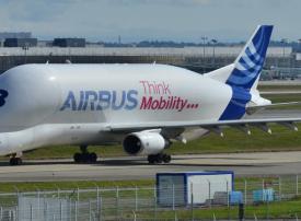 إيرباص في صدارة المرشحين للفوز بطلبية كبيرة من العربية للطيران