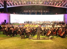 300 طالب من 50 جنسية: كورال أطفال العالم يبهر زوار مهرجان التسامح بأبوظبي