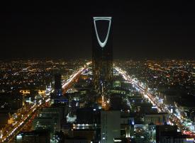 تطبيق ضريبة السلع الانتقائية على المشروبات المحلاة في السعودية بعد أيام
