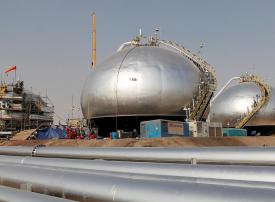 عقب صدور قرار حكومي.. أرامكو ترفع الإنتاج من 12 إلى 13 مليون برميل يوميًا