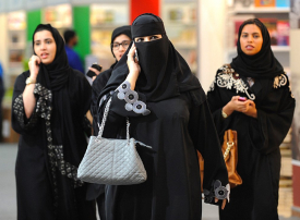 من خلال المراكز التجارية.. السعودية تستحدث أسلوباً مبتكراً لتعداد سكانها الخامس