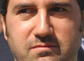 الحجز على أموال رامي مخلوف أهم رجل أعمال سوري