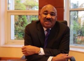 السودان سيلغي دعم الوقود تدريجيا في 2020 ويضاعف أجور الوظائف