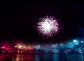 الليلة.. الإمـارات تطـرق أبــواب «غينيس 2020» بعروض الألعاب النارية