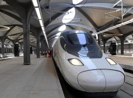 ما أسرع وسيلة للنقل والتنقل بين الحرمين وفي عموم السعودية؟