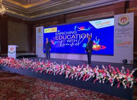 المسافرون الطلاب ضيوف مرحب بهم في إكسبو 2020 دبي