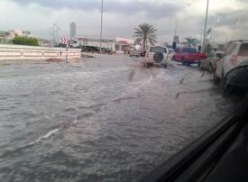 ١٨٨٠ حادثاً مرورياً  منها ٥٥ حادثاً بليغاً  في فترة هطول الأمطار بدبي