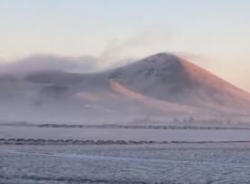 فيديو: استمرار انخفاض درجات الحرارة في السعودية.. وثلوج في المدينة المنورة
