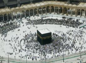 إيقاف العمرة مؤقتًا للمواطنين والمقيمين في السعودية
