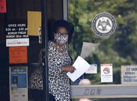 أمريكا : الإصابات بكورونا تقترب من المليون والوفيات من 50 ألفاً