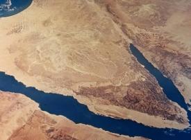 مقتل وإصابة 10 من أفراد الجيش المصري في انفجار عبوة ناسفة بسيناء