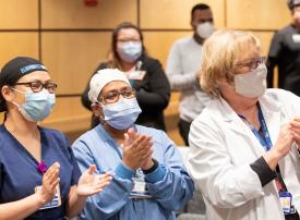 مكافأة لكل العاملين بمستشفى أمريكي برحلة وإقامة لثلاث ليال