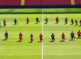 شاهد فريق ليفربول ينضم لرياضيين حول العالم للتضامن مع قضية جورج فلويد