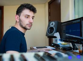 أحمد حفار، شاب يصنع الهوية الصوتية لكبرى الشركات