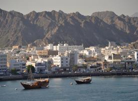 سلطنة عمان تدبر قرضا مؤقتا بقيمة ملياري دولار