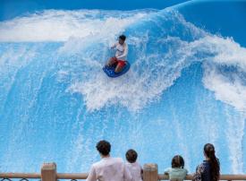 شاهد حديقة وايلد وادي في دبي تستعد لإعادة افتتاح أبوابها لمغامرات المتعة العائلية
