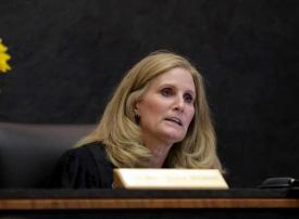 قاضية أمريكية تأمر بمواصلة سجن فتاة لأنها لم تؤدي واجبها المدرسي