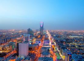 السعودية تخفف الإجراءات الاحترازية المفروضة على حركة الشاحنات
