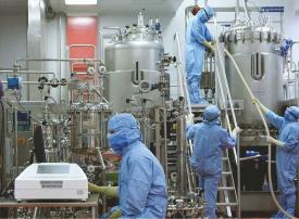 3 دولارات سعر لقاح كورونا المستجد من أكبر شركة تصنيع لقاحات في العالم