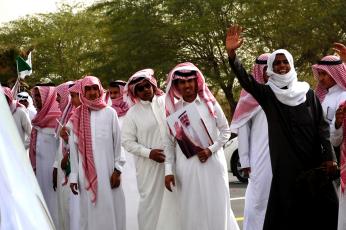 محمد التويجري يعد السعوديين بمعدلات بطالة أقل من 12%