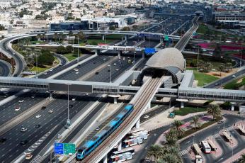 طرق دبي تعلن عن تغيير في مواعيد خدمة المترو للخط الأحمر
