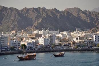 سلطنة عمان  ستبدأ في السماح للمواطنين بالسفر للخارج