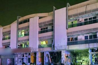 دبي: انفجار ناتج عن تسرب غاز يلحق أضرارا  بمطعم ومتاجر وسيارات في القصيص