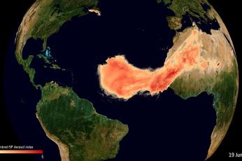 شاهد غودزيلا أضخم سحابة رملية في التاريخ تعبر المحيط الأطلسي باتجاه أمريكا لتنشر فوائد مذهلة