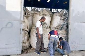 هل هناك تكتم على صاحب شحنة النيترات التي فجرت ميناء بيروت ؟