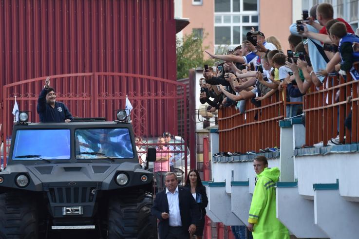 مارادونا ينتقل من التدريب في الفجيرة إلى روسيا البيضاء