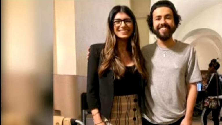ميا خليفة تنشر صورة مع الممثل والمخرج رامي يوسف
