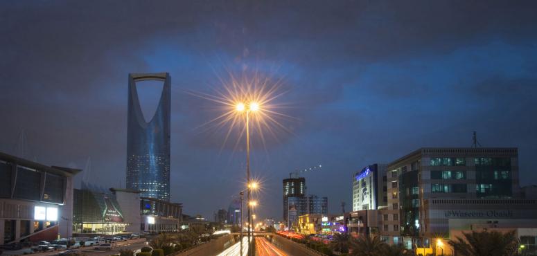 وزارة سعودية تروج لبرامجها بمئات آلاف الريالات مقابل تغريدات على تويتر