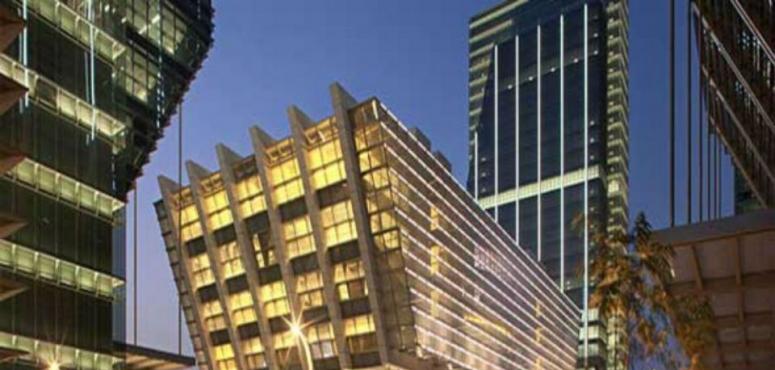 مجموعة أبوظبي المالية  تُعدّل عرضها لشراء صناديق أبراج في الشرق الأوسط