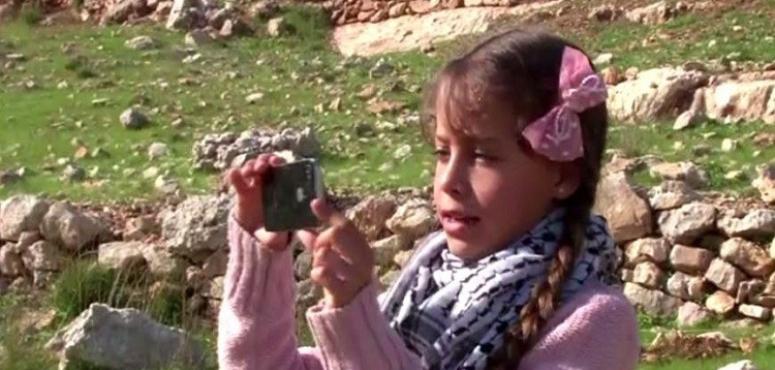بالفيديو.. الفلسطينية جنى أصغر مراسلة تشارك في منتدى الإعلام العربي بدبي