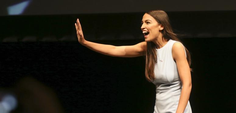 من هي ألكسندريا أوكاسيو كورتيز التي تملء الدنيا وتشغل الأمريكيين؟