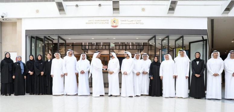 محمد بن راشد يكلف 4 وزراء بإدارة وزارة اللا مستحيل