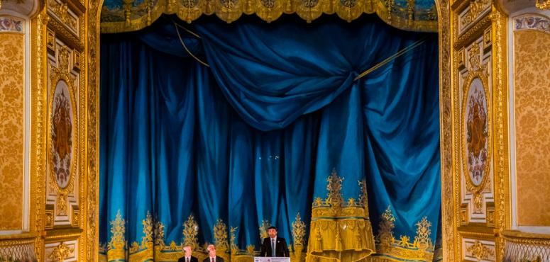 بالصور.. عبدالله بن زايد يشهد افتتاح «مسرح خليفة بن زايد» في باريس