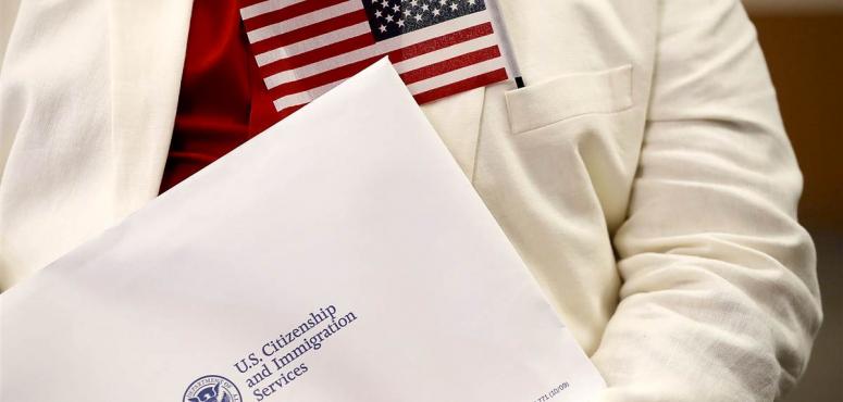 لائحة أمريكية جديدة تجعل نصف مقدمي طلبات الإقامة الدائمة غير مؤهلين لها