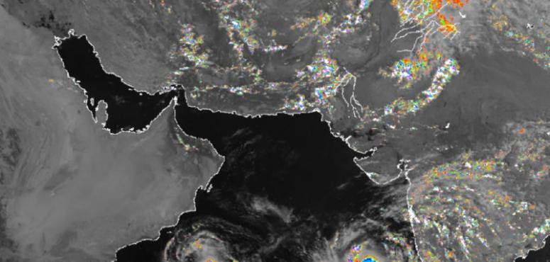 الإمارات: تحذير من اضطراب البحر بالساحل الشرقي بسبب «مها»