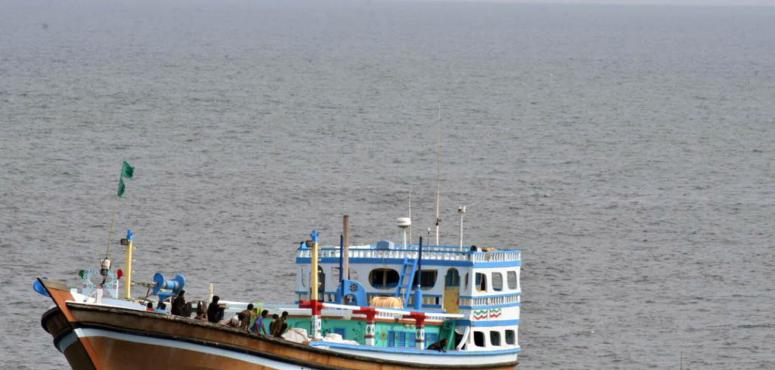البحرية البريطانية تضبط مخدرات بقيمة 4.3 مليون دولار في خليج عمان