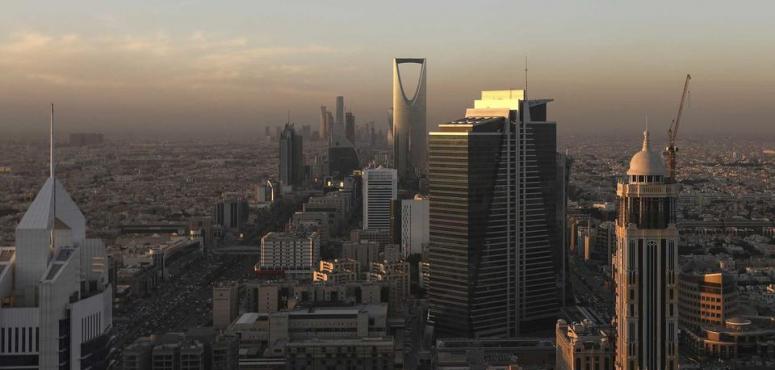 حزمة قرارات سعودية: إعفاء وتأجيل مستحقات حكومية ومبادرات بـ 120 مليار ريال لمواجهة تحدي كورونا