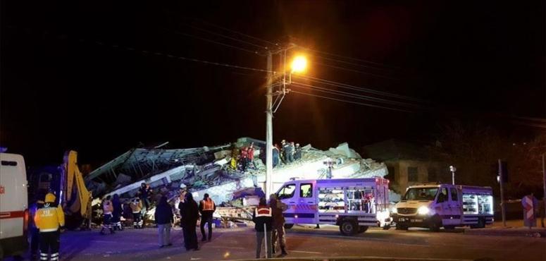 تركيا تعلن ارتفاع عدد وفيات زلزال ألازيغ إلى 14