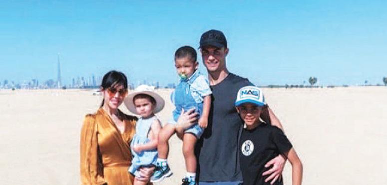 رونالدو في مقدمة  7 نجوم حصلوا على الإقامة الذهبية في الإمارات