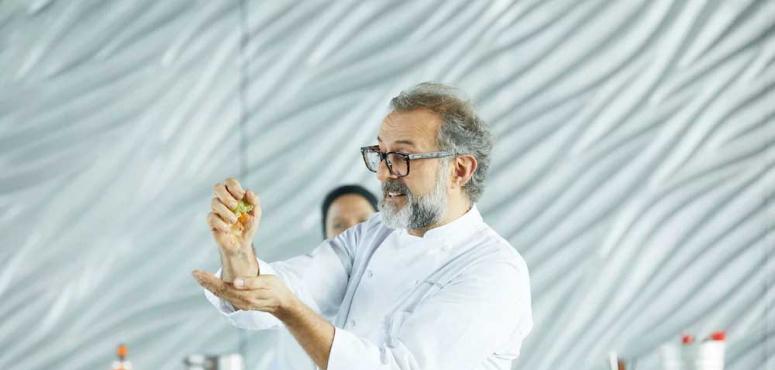 أشهر شيف إيطالي يقدم دروس طهي مجانا في حسابه على انستاغرام