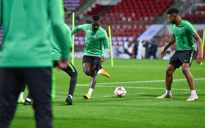 إصابة 100 لاعب كرة قدم سعودي بفيروس كورونا المستجد