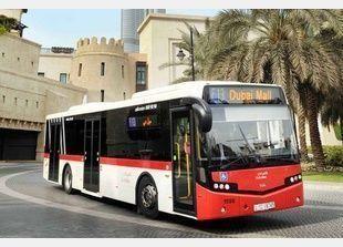 دبي توقع صفقة لتسيير حافلات تعمل بالكهرباء لمدة 9 أشهر تجريبية